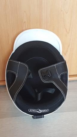 A-vendre-casque-trot-attele
