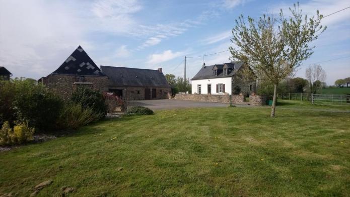 A-vendre-jolie-propriete-equestre-a-Meslay-du-Maine-dans-la-Mayenne