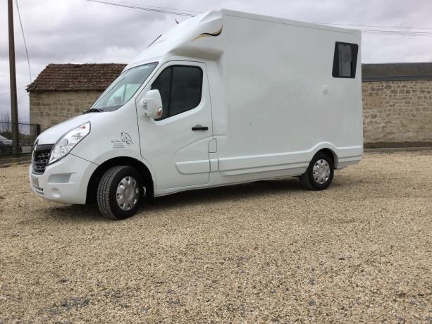 camion-transport-chevaux-L2-desistement