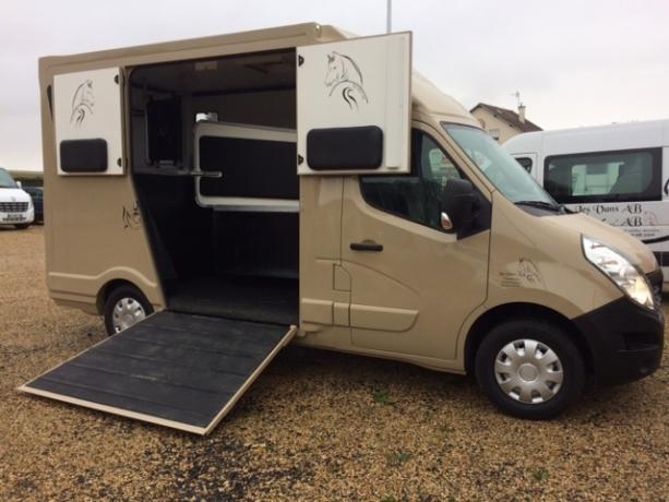 Camion-transport-chevaux-L2-dispo-fevr-mars-2020